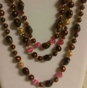 NWOT Brown and Pink Beaded Necklace